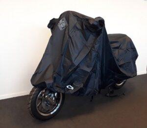 Tucano beschermhoes scooter zwart E-scooterandmore